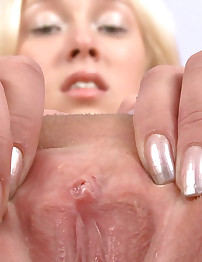 18closeup.com: Abigail Rubs her Clit on our Camera and Cums #Spread #Tight #Orgasm