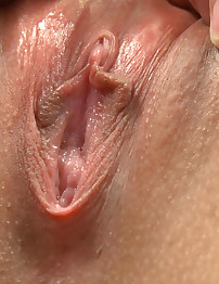 18closeup.com: Mona Fingers her Erected Clit and Cums Hard! #Clit #Wet #Orgasm