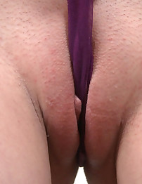 18closeup.com: 18 yo First-Timer Discovers her Clit #First Time #Exploration #Clit